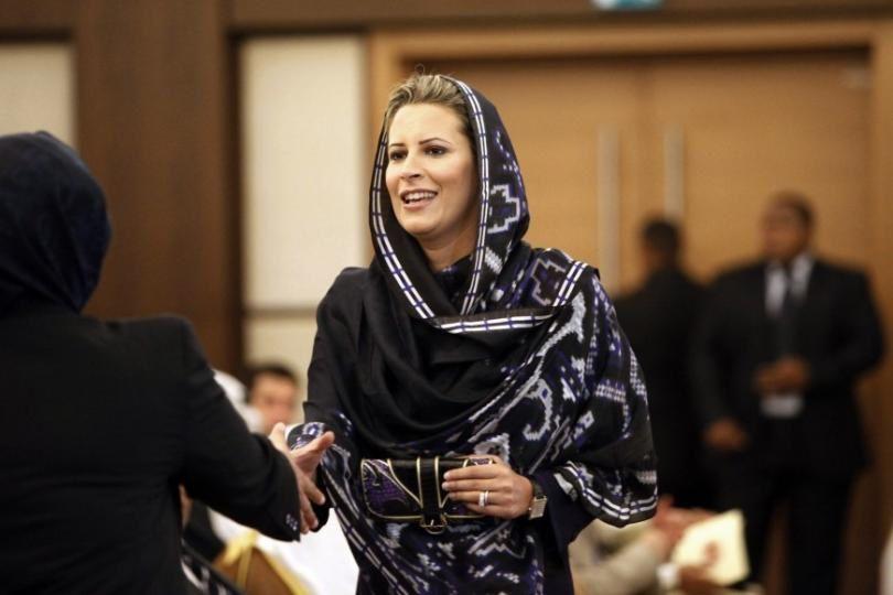 Imágenes de Aisha Muammar Mohamed El-Kadhafi.- El Muni.