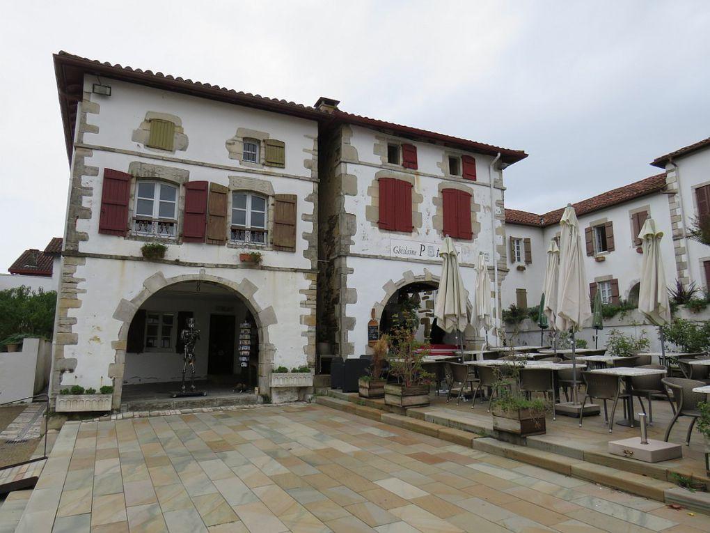 """Bastide navarraise """"Un des plus beaux villages de Fance"""". Fondée en 1314"""