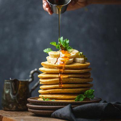 Gourmandises - Pancakes - Sirop d'érable - Bananes - Douceurs - Photographie - Wallpaper - Free