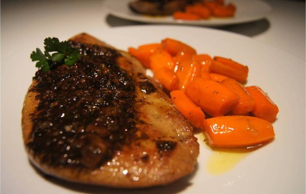 Foie de veau sauce balsamique et ses carottes glacées