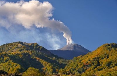 News from Etna, Sinabung, Bezymianny and Karymsky.