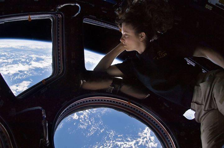 SCIENCE-FICTION EN VRAIE DEPUIS ISS