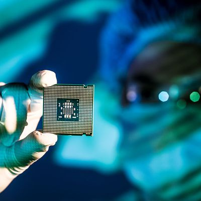 Intel chip security flaws remain, say security...