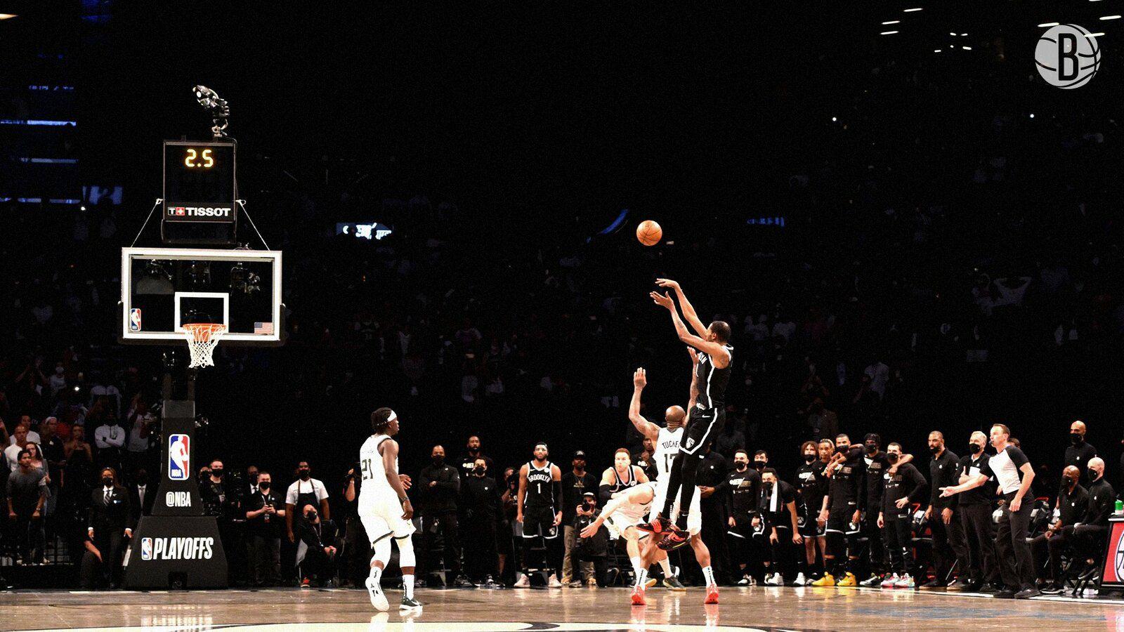 L'énorme shoot de Kevin Durant à 2 secondes du buzzer qui aurait pu envoyer Brooklyn en finale de conférence si sa chaussure n'avait pas mordue la ligne