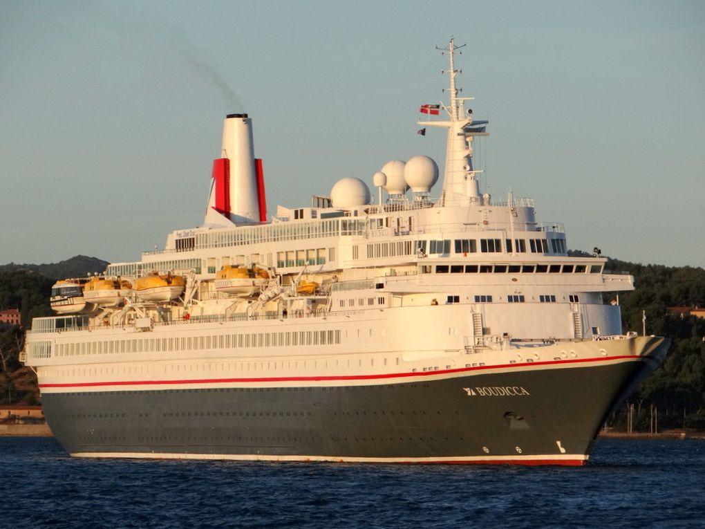 BOUDICCA , arrivant au port de Toulon le 13 septembre 2017