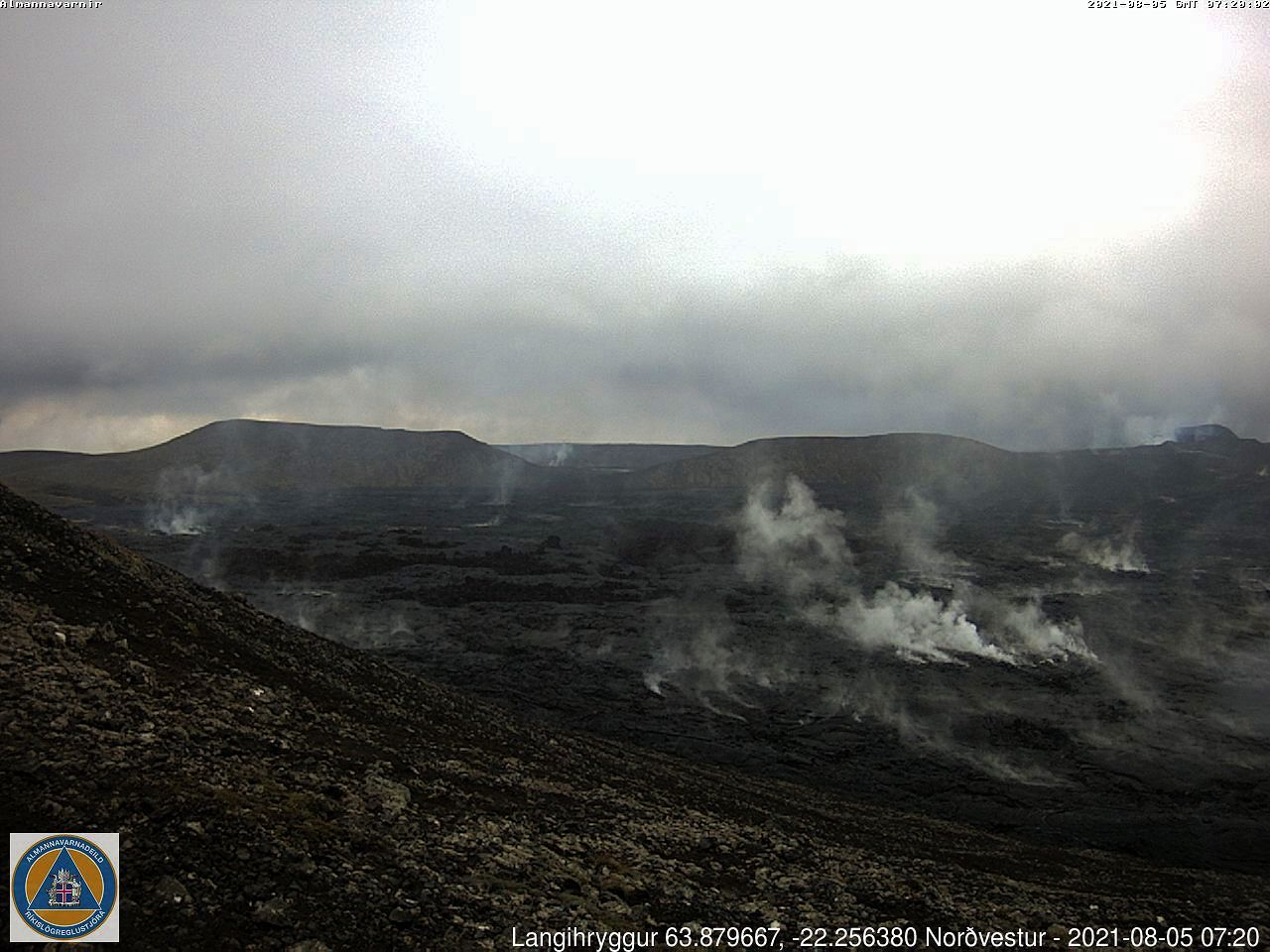 Fagradalsfjall - strong degassing in the lava field 05.08.2021 / 07h20 - webcam langihryggur NV - one click to enlarge