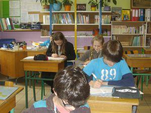 Un groupe pour le concours Kangourou dans la classe de CM2