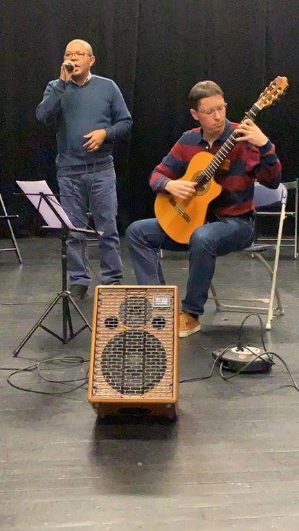 Boris DANILCHENKO accompagne la voix pleine de charme de son ami originaire de Madagascar,Vincent RAKOTOARIVELO. Il donne suite ave quelques uns de ses arrangements à la guitare Suit une excellent prestation des élèves du Conservatoire d'Aix en Provence, sous la direction de leur professeur Karine OSKIAN. Nous retrouverons certains d'entre eux au prochain Festival