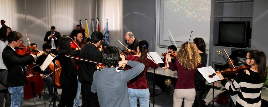 """Besuch von """"Bella Musica"""", jungen Musikern aus Greve in Chianti, Salzburg und Würzburg in Veitshöchheim"""