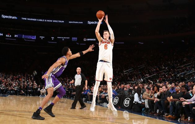 Kristaps Porzingis en mode All-Star détruit la défense des Kings
