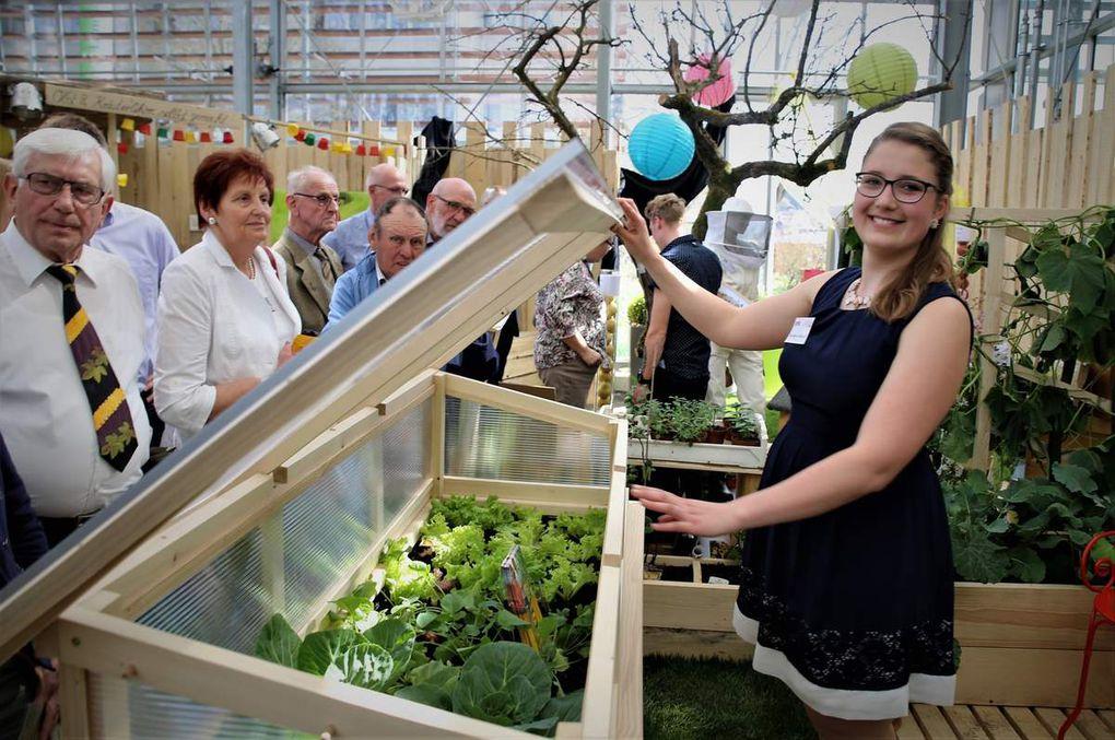 Unkonventionelle Gefäße für den Anbau von Balkongemüse auf kleinem Raum lieferten Anregungen am Stand für Urban-Farming von Lisa-Marie Schachner..