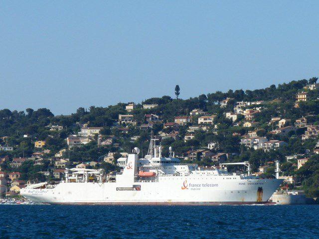 RENE DESCARTES , navire cablier de France Télécom