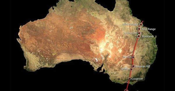 The 2000km-long chain, which started forming 33 million years ago, runs along the country's east from the Whitsundays in Queensland to near Melbourne