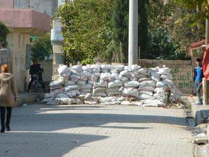 Nusaybin. L'entrée d'un quartier tenu par le PKK. Photos E.C.