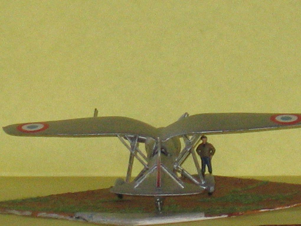 La maquette au 1/72 du Loire 46, produite par Azur. Ou comment tout a débuté.