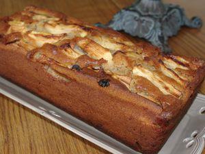 Cake pommes, raisins et mascarpone