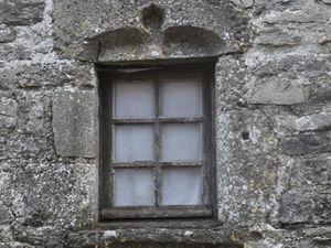 Quelques fenêtres vues sur les remparts. (clic sur les photos pour les agrandir)