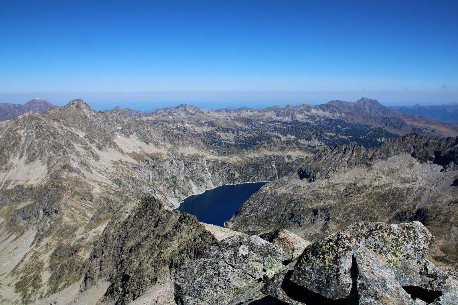Lac de Cap de Long et Arbizon au loin.