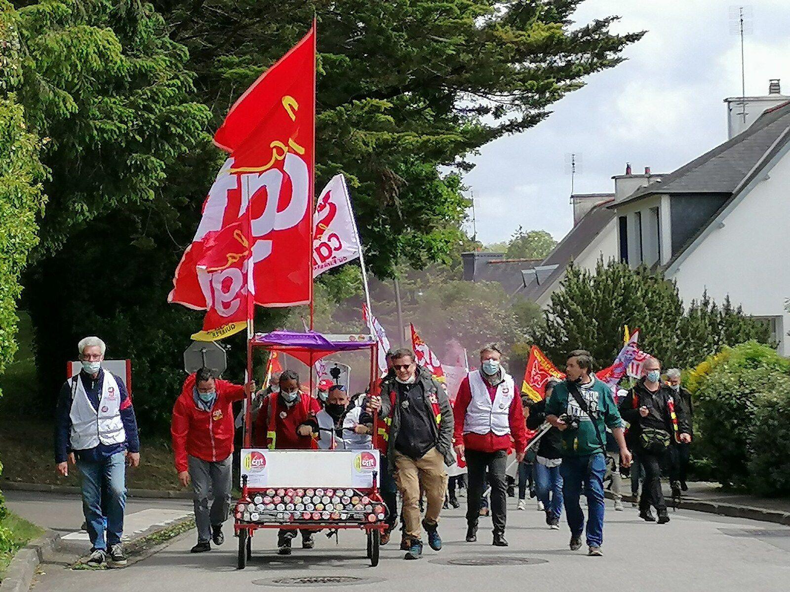 Vendredi 21 mai - Manif à Carhaix avec les personnels du médico-social