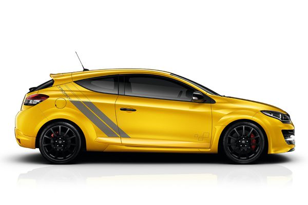 RENAULT MEGANE R.S. 275 TROPHY-R: 'SPORTS MODEL OF THE YEAR 2014'!