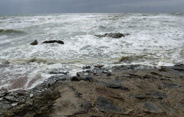 Plage de Sauveterre d'Olonne sur Mer par mauvais temps
