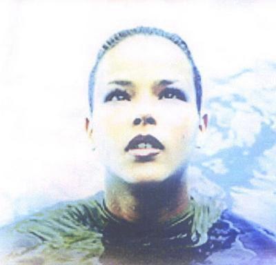 shéraz, une chanteuse française qui s'illustra dans les années 2000 en matière de funk et de r'n'b