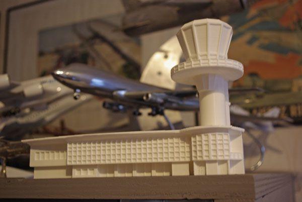 Le Boeing 747 est la même échelle.