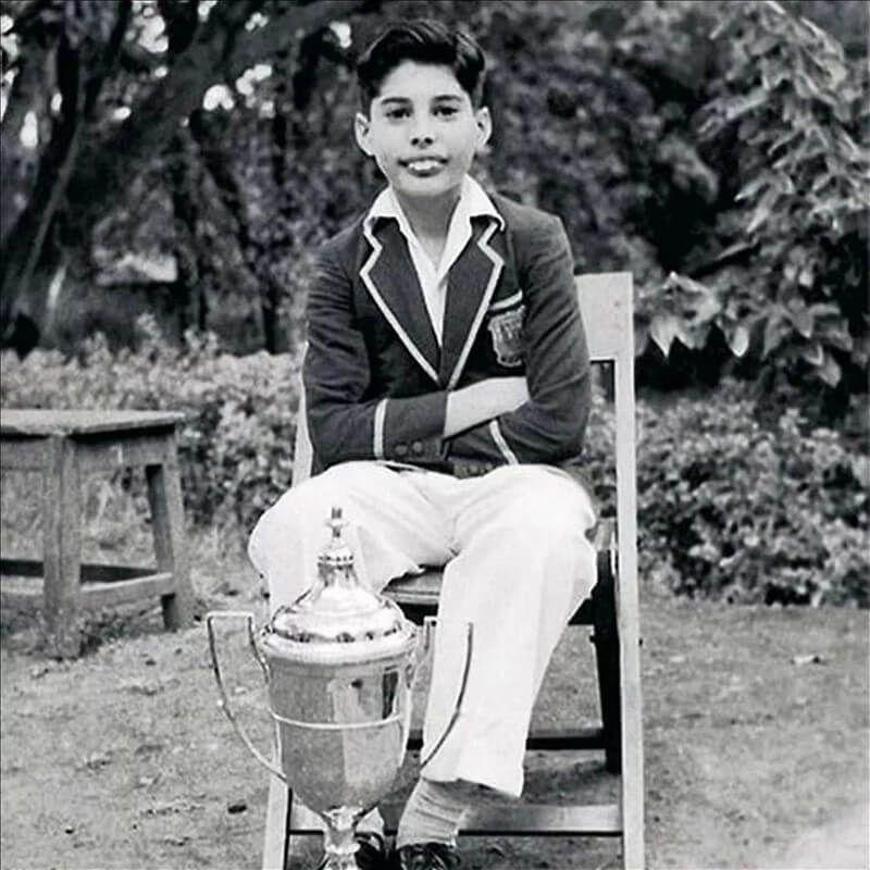 Qui était Farrokh Bulsara / Freddie Mercury, avant de devenir le leader du groupe Queen ?