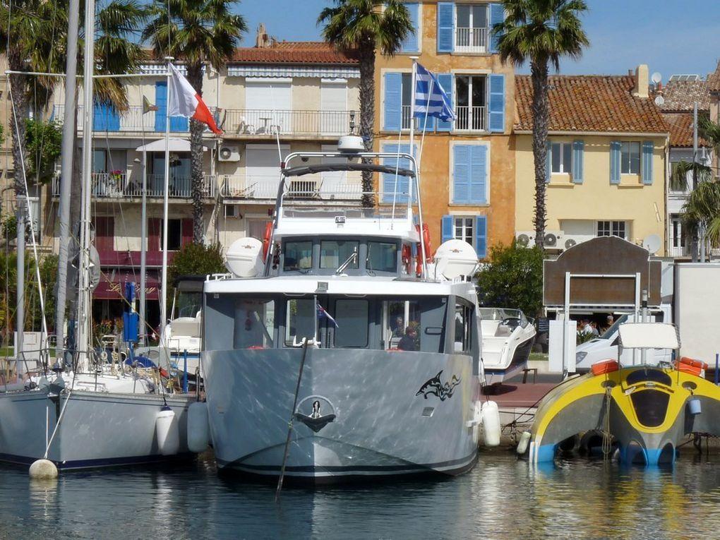 ATLANTIDE 2, vedette passagers dans le port de Bandol, visite de l'ile de bandot et des Embiez