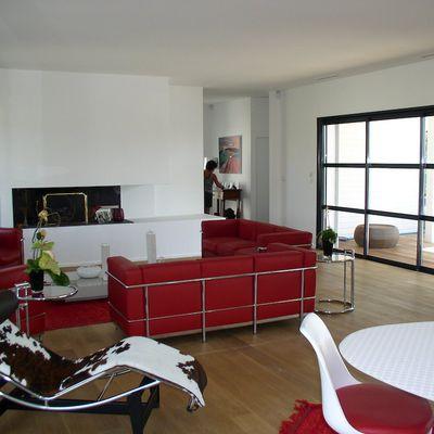 villa rouge et blanche