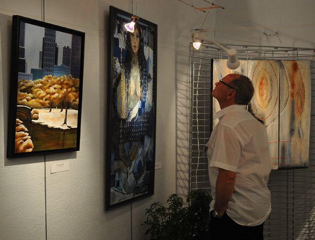 """La ville de Santeny présente : """"Regard sur le plateau Briard"""". Les artistes Santenois exposent du 30 mars au 2 avril 2012"""