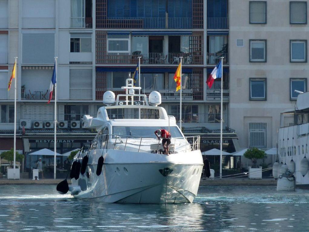 PANTHERA , a quai au carré du port  et appareillant du port de Toulon  le 01 aout 2011