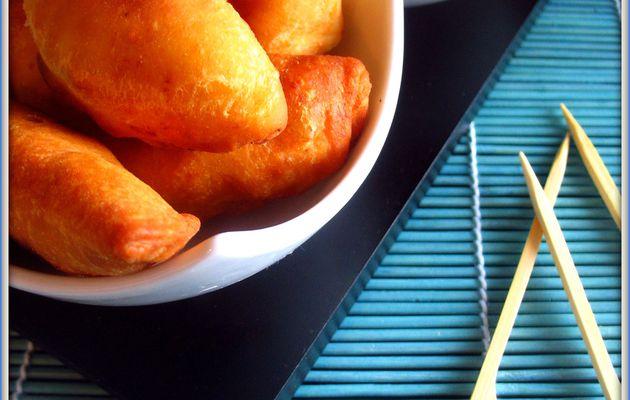 Beignets au poulet façon pastels & leur sauce trempette à la tomate