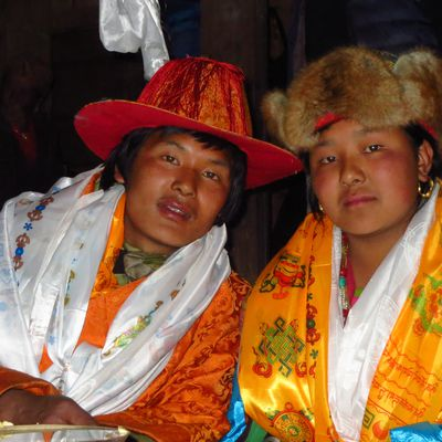 Article 20, Mars 2013, Un mariage traditionnel Sherpa