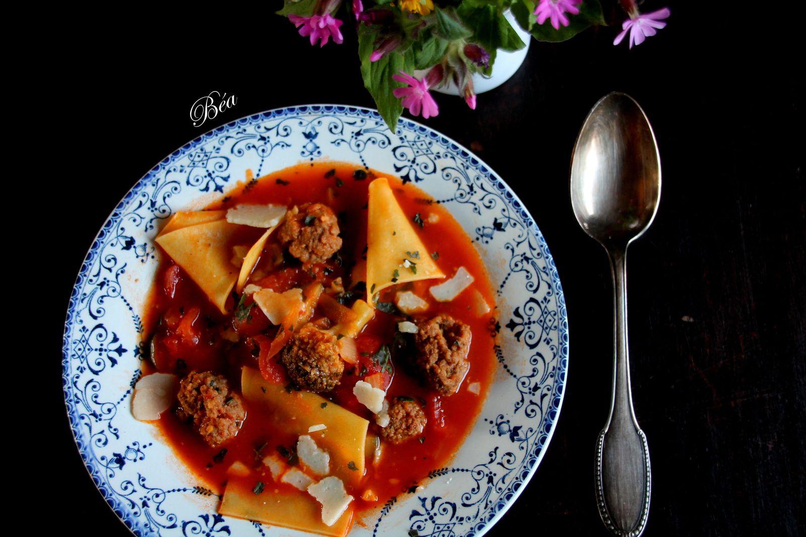 Soupe italienne aux lasagnes et boulettes de boeuf