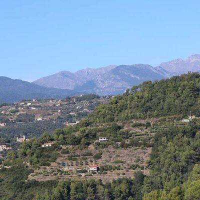 San Biagio della Cima (IM) - una vista da Madonna dell'Addolorata di Dolceacqua al Monte Toraggio