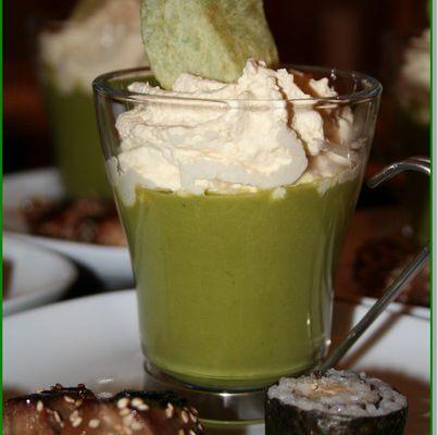 Cappuccino de petits pois et sa chantilly de foie gras