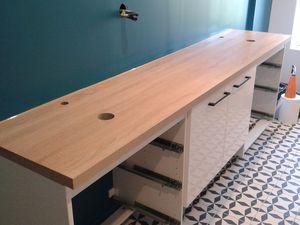toutes les finitions sont faites pour une salle de bain flambant neuve et bien mieux  fonctionnelle qu'avant, des clients très contents et ça fait plaisir.