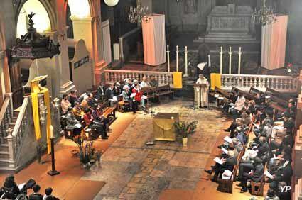 """La communauté chrétienne selon l'Evangile n'attends pas que le """"curé"""" réunisse ses ouailles mais s'organise pour prier même sans prêtre"""