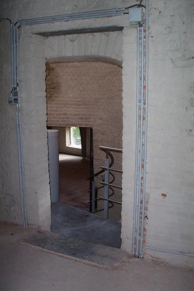 Visite de l'aile Est du château de Trazegnies et du châtelet d'entrée.