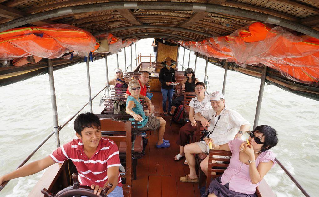 du 27 mars au 17 avril des adhérents de VN17 ont traversé le Viêt-Nam du sud au nord.  Voici quelques images de leur périple.