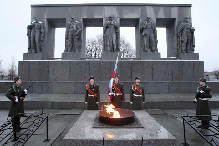 Un monument à la mémoire des morts lors du siège de Léningrad, en Russie (illustration) Crédit : KIRILL KUDRYAVTSEV / AFP