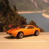 PORSCHE 924 UPFRONT HOT WHEELS 1/64 LOGO BP - car-collector.net
