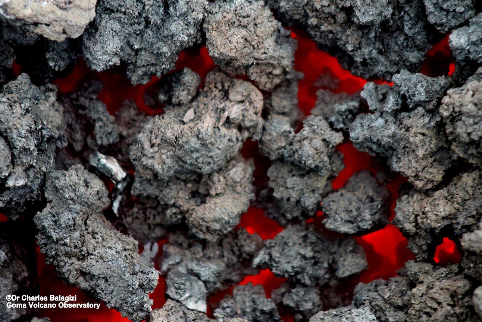 Nyiragono - hot lava in Mugerwa - photo Dr .Ch.Balagizi 23.05.2021