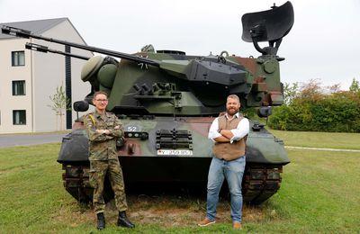 Neuer Lack für alten GEPARD-Panzer in der Balthasar-Neumann-Kaserne Veitshöchheim - Ein Hingucker für Besucher