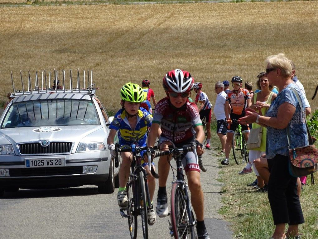 Ecole de cyclisme de Muzy (27) victoire de Manon, Mattis et Maxime