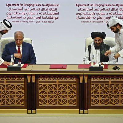 Afghanistan: Gouvernement et Talibans en négociation à Doha pour enterrer la hache de guerre