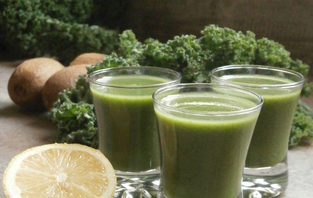 Smoothie tout vert : Kale, Kiwis & Citron ou Kale, ortie & avocat
