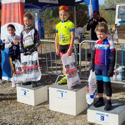 6ème victoire de Mahel  à Chécy (45) : la photo du podium