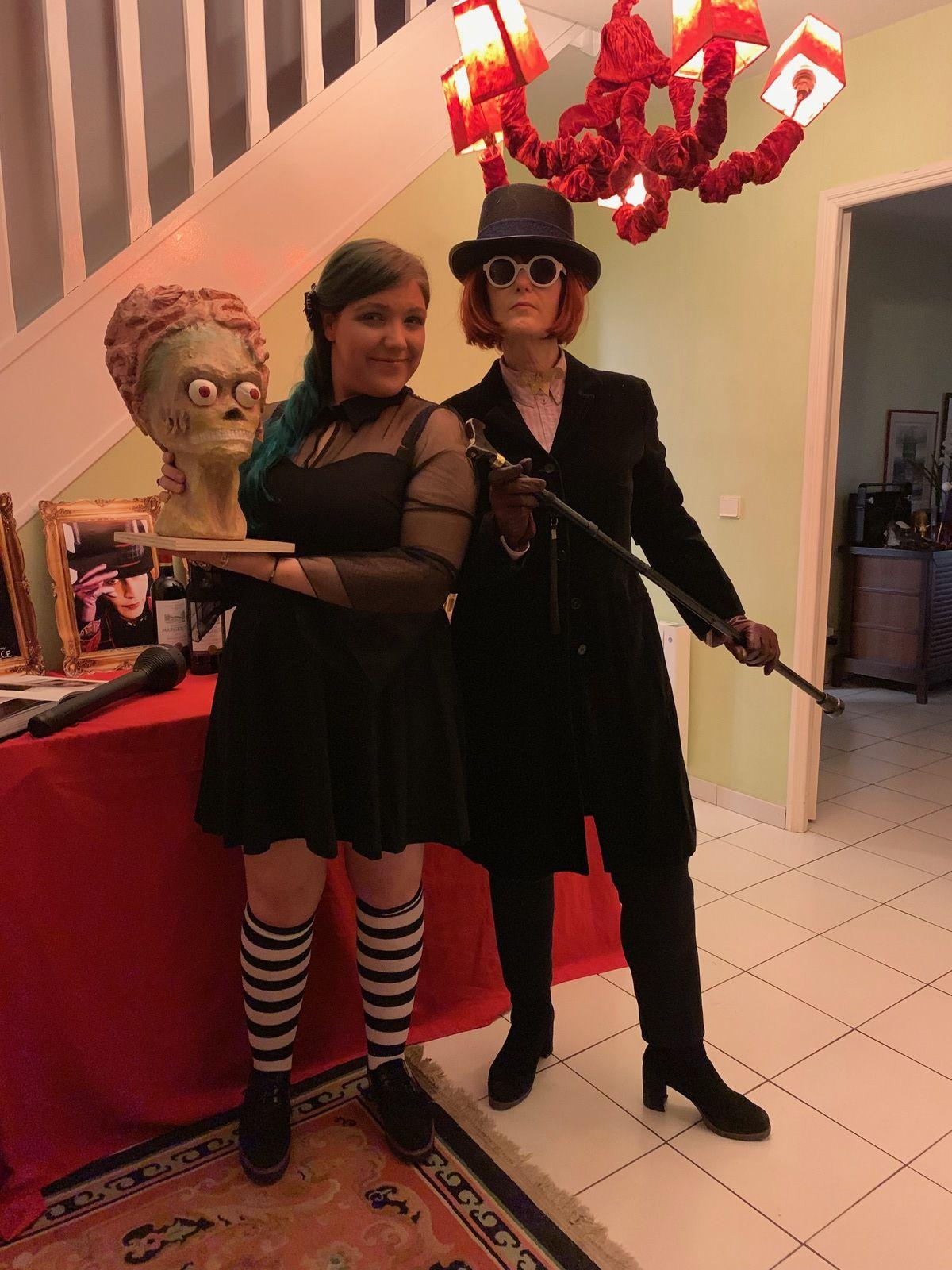 Charlie et la Chocolaterie ! Votre serviteur Wonka en personne... la tablette de chocolat se cacher derrière les sucettes. Avez-vous remarqué ?